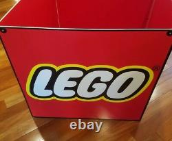 Rare LEGO Toys R Us Store Display Fixture Sign Cube 28